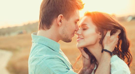 Пять знаков, что вы нравитесь человеку